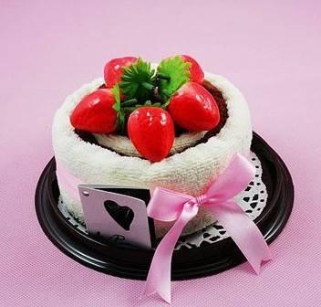 仿真水果装饰,赋予蛋糕点心造型和卡通动物造
