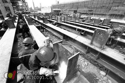 川炼化一体化项目钢结构安装加速