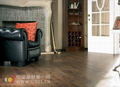 橡木地板为什么会受到消费者的追捧呢?