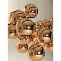 另类时尚灯具,圆滚滚的造型柔和和的光,带来灯具设计与欣赏的一股风潮。其设计包括吊灯、落地灯等系列,充满时尚与现代的感觉。