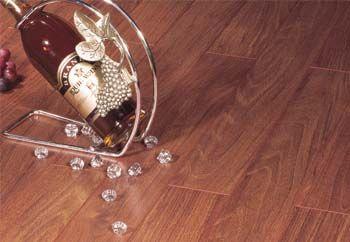 福人强化地板-明镜-狂野樟木