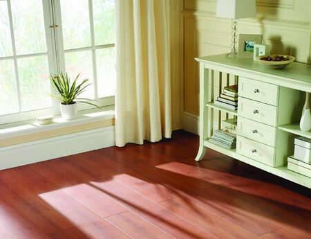 与传统纯实木对应,三层实木地板和多层实木地板又