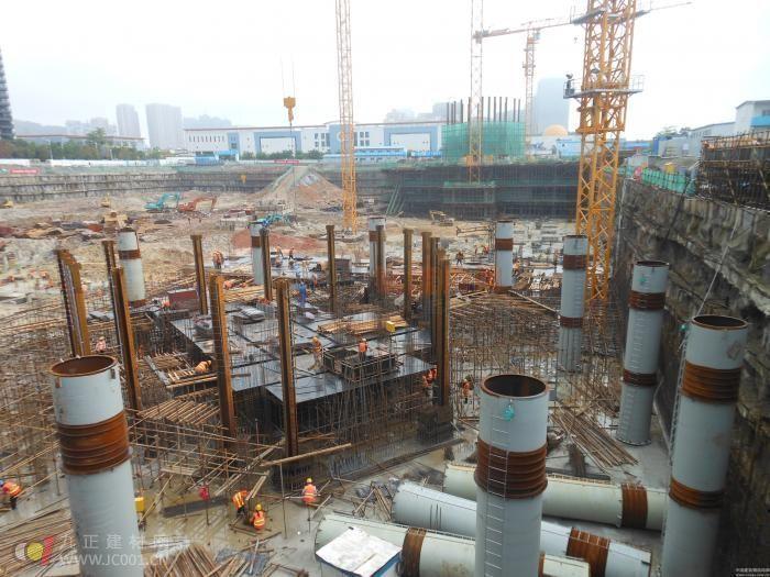厦门中航紫金广场B塔楼钢结构工程开工