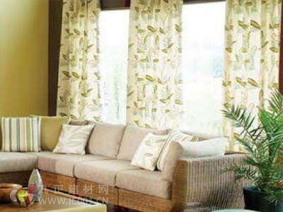 2013年客厅窗帘装修效果图