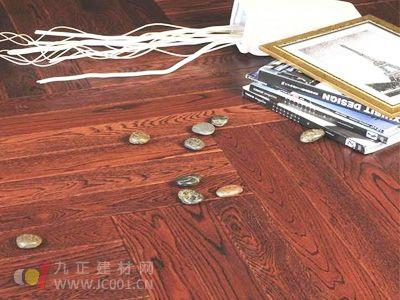全球首款无甲醛木质地板成功问世