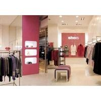 为客户量身定制的专卖店服装鞋包中岛架、靠墙架
