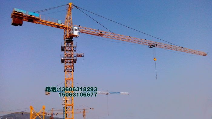 m  qtz5810塔吊该机为水平臂架,小车变幅,上回转自升式多用塔吊.图片