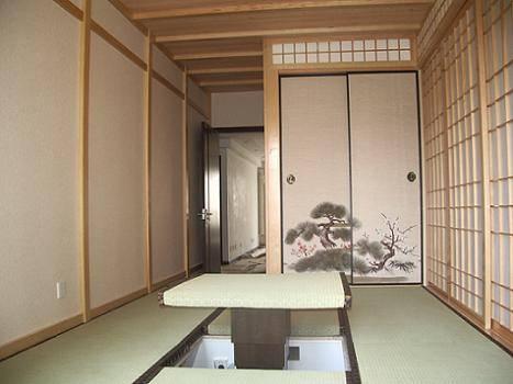 据了解,在日本的传统装修中,居室的面积要与榻榻米的数量及面积吻合.