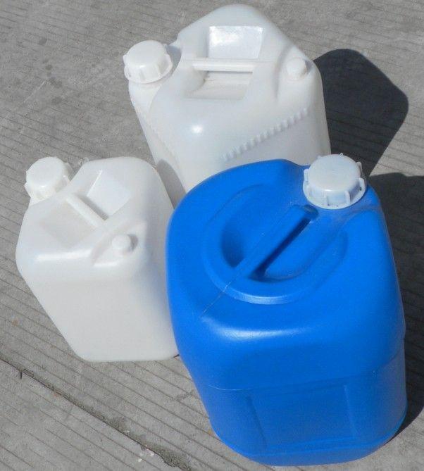 三元塑料制品有限公司集设计、生产、销售于一体,采用进口食品级原料生产大型、超大型一次性成型塑料容器。并承接各种奇特导型的滚塑制品的研制和开发,为客户提供多元化的服务。我公司专业生产的一次性成型塑料(滚塑)容器,产品具有无毒无味、耐酸耐碱、耐冲击、耐高温(80)、低温(-40)、不渗漏、不易老化、无需维修及清洗,安装、运输方便等等优点,广泛用于高层建筑二次供水、储水、水处理、、电子化工、水产养殖、纺织印染、石油化学试剂、环保卫生等多个行业。公司以先进的生产工艺,产品具有绿色环保,造型美观耐用的特点,博得广