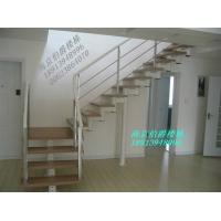现代经典钢木楼梯