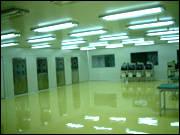无溶剂型环氧自流平地坪涂料