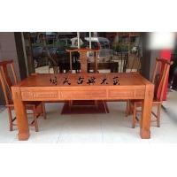 古典实木茶桌椅、博古架、屏风、隔断、花格等家饰家具