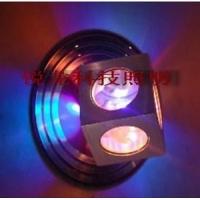 led壁灯七彩投光可自动变色功能,独特的拥有专利的散热体
