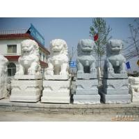 石狮子、石亭子、石牌坊、石栏杆