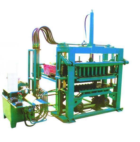 砖机 空心砖机, 液压砖机,半自动制砖机,全自动制砖机,多功能制砖机.图片