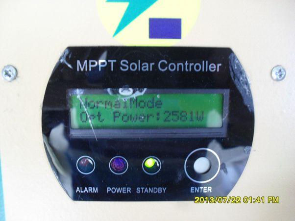 基本配置: 一、组件:集装箱顶2160WP太阳能光伏组件; 二、逆变器控制一体机:MPPT48V60A控制器,3000VA高效纯正弦波工频逆变器; 三、蓄电池:12V100AH8只; 造价:约2万2;(本系统没考虑支架、汇流箱、防雷系统、导线、安装和运输等费用) 发电量:理想天气太阳能光伏可发电约10度电,蓄电池循环一次约5度电;因成都天气差,这个配置基本能达到每天循环一次。 实验情况:2013年7月20成都天气阴间多云,室外21-32度,PM2.
