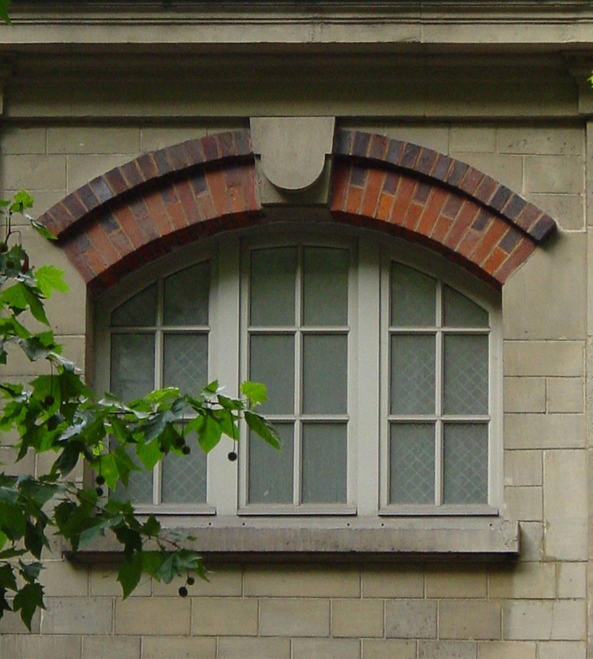 砂岩浮雕罗马柱,檐线,窗套,欧式花盆,花钵,沙岩工艺,艺术栏杆及大型