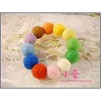 2012最新款羊毛毡球球手链 羊毛毡球 七色彩虹球项链