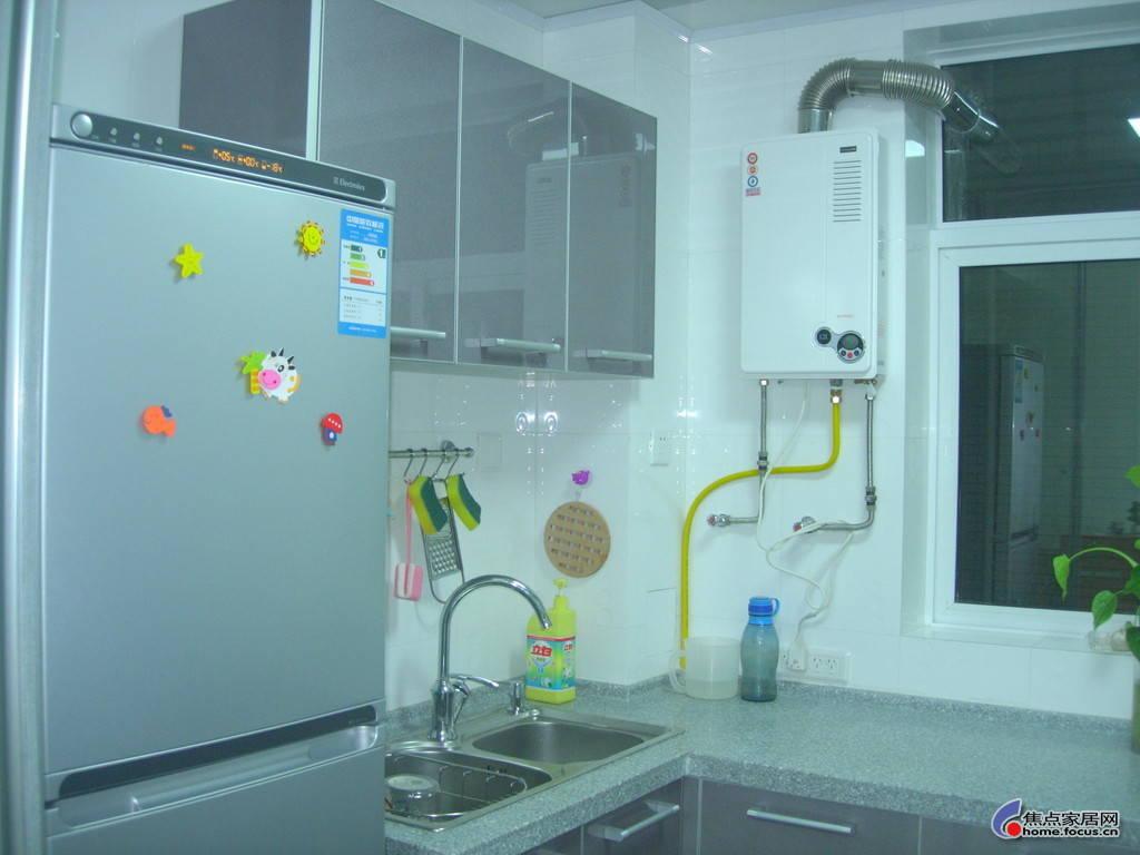 天然气用热水器 樱花天然气热水器 天然气热水器排名高清图片