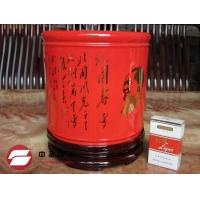 中国红笔筒