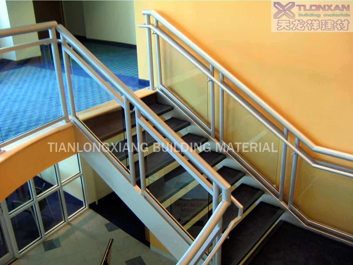 幼儿园楼梯栏杆环境布置图片