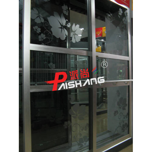 2) 由于客户使用不当造成玻璃,板面,边框及上下轨道破损现象