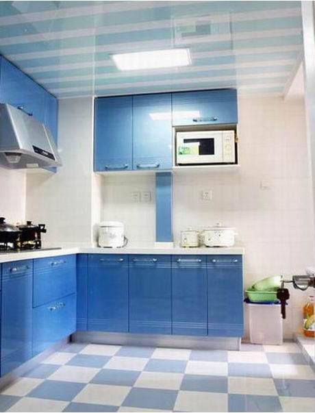 某家庭装修后的厨房
