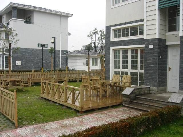 适用范围:防腐木是户外及庭院中地面平台,护栏, 亭子,藤架,桌椅,小品