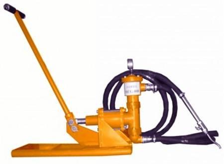 机械介绍:  螺杆式电动水泥灌浆泵结构新颖,构思独特;使用安全