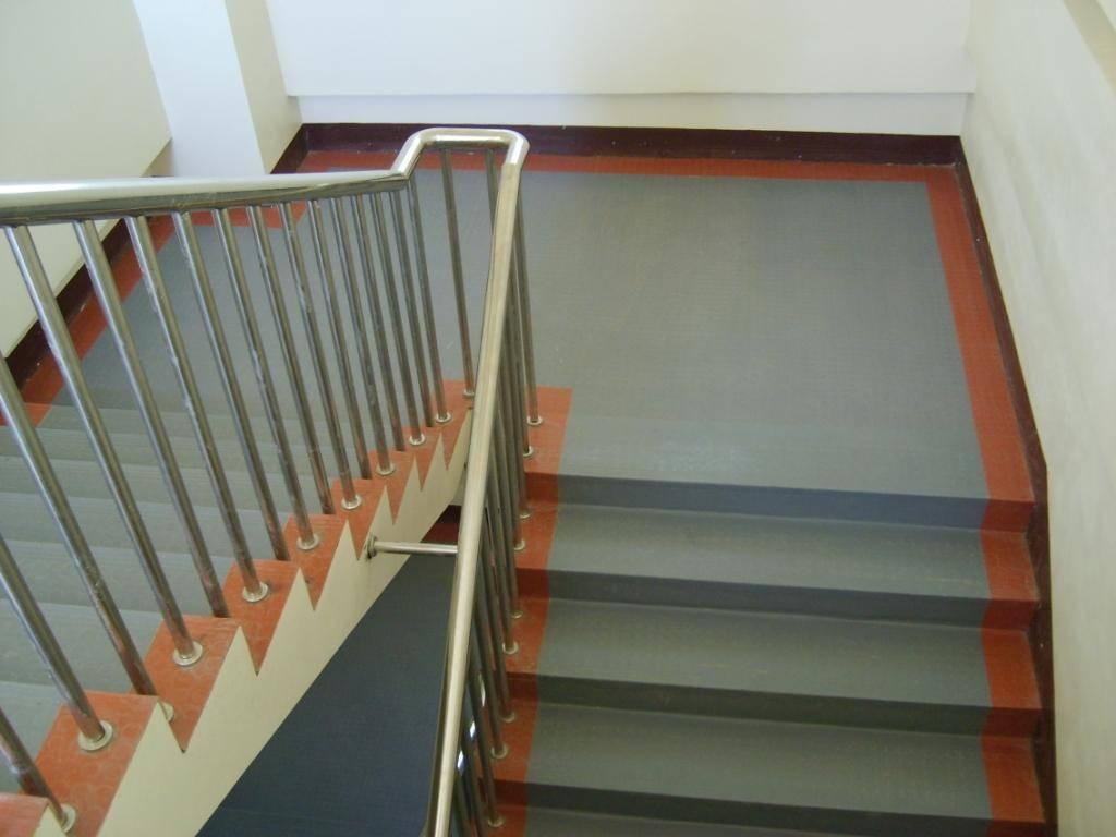 科亚特橡胶楼梯踏步2008图片