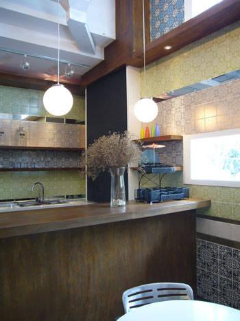 知名项目包括香港半岛酒店