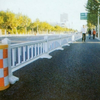 PVC 护栏