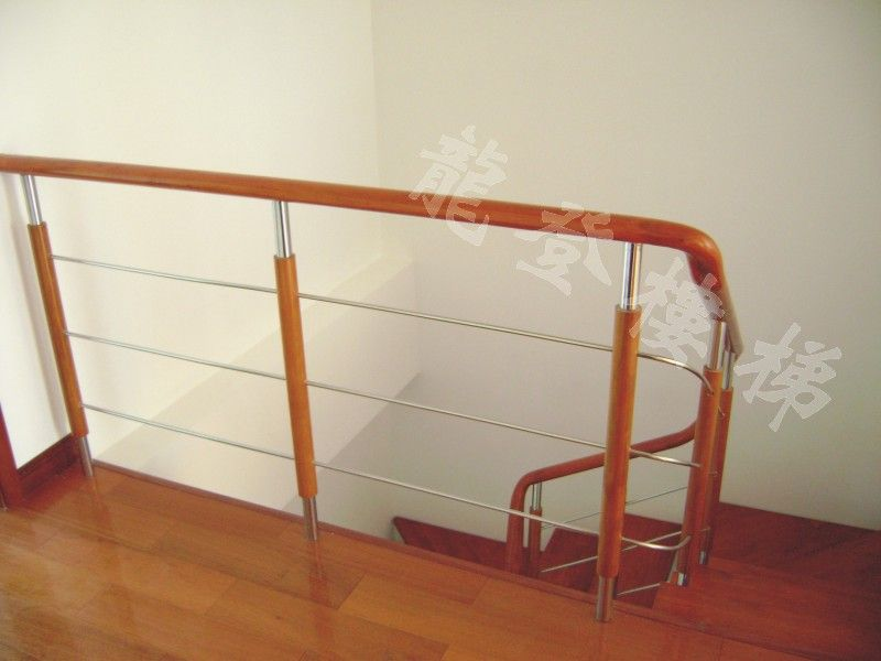 现代实木栏杆产品图片