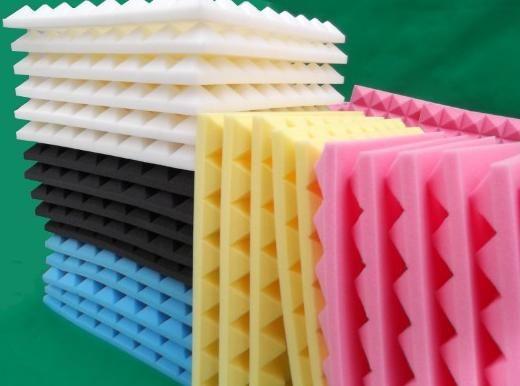 广州华音声学装饰材料有限公司主要是生产:吸音棉、隔音棉、吸音材料、隔音材料、玻璃棉、岩棉板、鸡蛋棉、金字塔棉、橡塑棉、波浪棉、波峰棉等等。常规的规格有:2*1.5m*50mm; 2*1.5m*30mm; 2*1.2m*50mm; 2*1.2m*30mm; 0.5*0.5m*50mm; 2*0.6m; 1*20m*10mm; 2M*10M*20mm; 3M*10M30mm;上面没有的规格,厂家可以提供订做。 吸音棉 华音吸音棉是一种人造无机纤维。采用石英砂、石灰石、白云石等天然矿石为主要原料,配合一些纯碱、