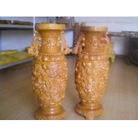 红豆杉雕刻花瓶