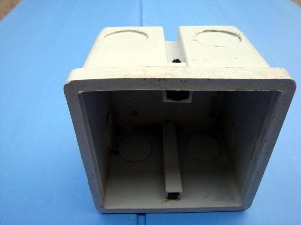 主要产品为建筑用金属接线盒,jdg管件,pvc接线盒,明盒,pvc电线导管