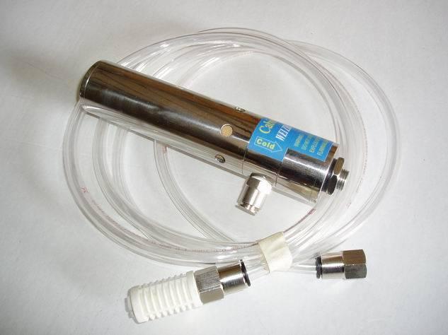 控制面板的冷却 4. 数控加工中心电子控制装置的冷却 5. CCTV镜头的降温 6. 电气机箱的降温及恒温 7. 激光器壳体的降温 8. 电子称的冷却 特点: 1. 低噪音,小于75分贝 2. 无活动件,结构紧凑,便于安装,免维护 3. 外部工作环境温度可高达93oC 4. 消除热损害 5. 无需使用风扇、过滤器 6.