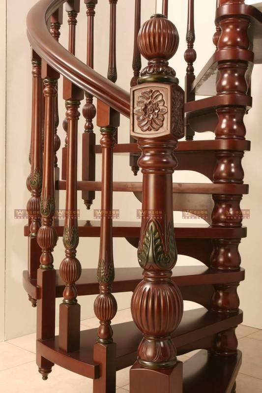 实木旋转楼梯产品图片