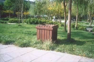 南京优质防腐木垃圾箱