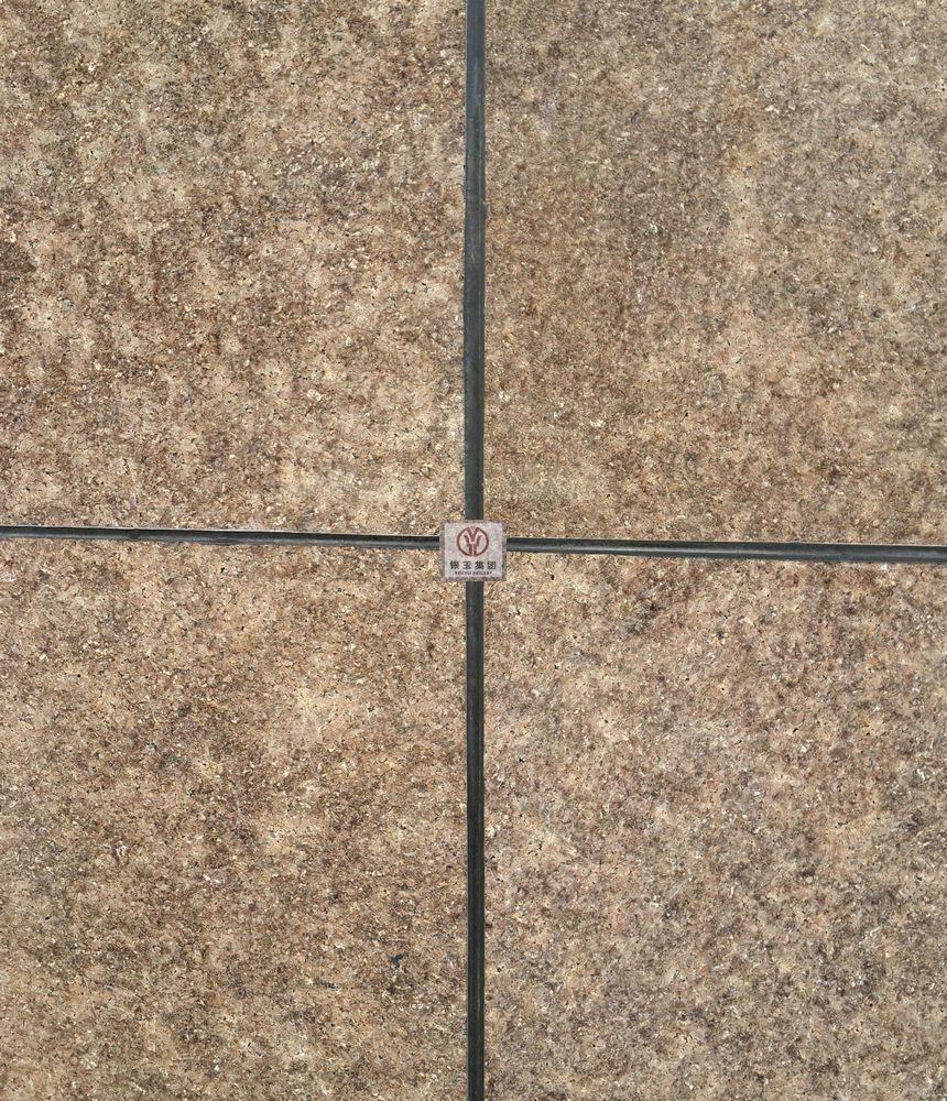 金钻石材棕色石材新疆矿山直销古典棕花岗岩线条