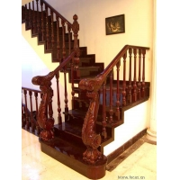 成都升泰仿古实木楼梯