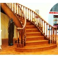 南京红灯木楼梯-扇型木楼梯-装修实景4图