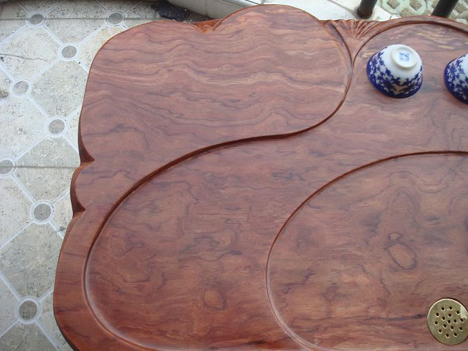 主营产品:仿古家具,花梨木板桌大板,根雕茶几系列,人物雕像系列,以及