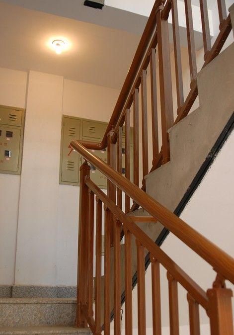 铝合金仿木家用楼梯栏杆