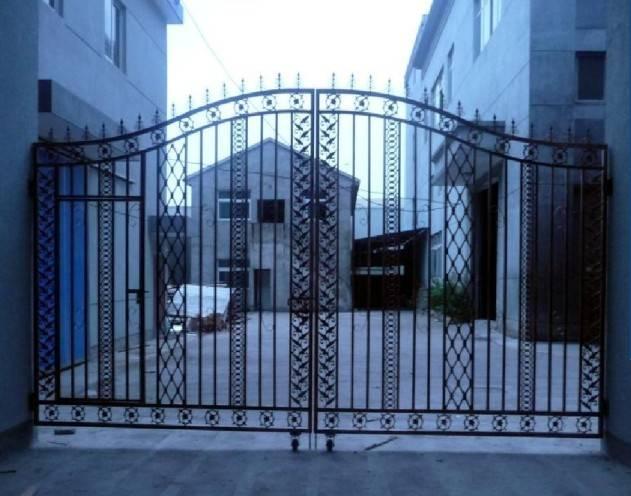 铸铁大门,浸塑大门,热镀锌大门,庭院门,别墅门等.