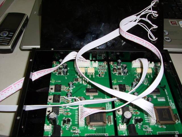 深圳市洪华公司(刘魏华13632570411)是专业的测试架、治具、夹具,能做各种MP3、MP4、数码相机、电脑……过炉治具、焊接治具、功能治具其中包括有快速夹、翻盖的、气动、ICT等的各种治具。材料更是有国内外知名品牌的合成石、玻纤、压克力、电木等等。 公司设备有多台CNC钻孔机4台、铣边机2台、精雕机4台、普通铣床6台、激光铣边机等这些设备,人员已达到了100人左右,现在无论从工艺、技术、设备都达到了国内的先进水平!可以根据客户不同的需求、要求来非标定做!交期可以达到1到