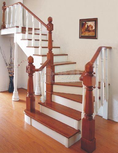 室内实木楼梯选择和布局要考虑的因素!