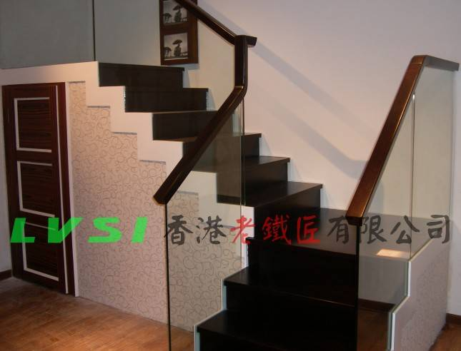 实木玻璃楼梯 - 香港老铁匠