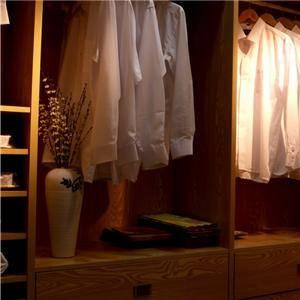 开放式整体衣柜