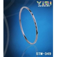 时尚饰品 专业生产钨金、陶瓷饰品、钨金、陶瓷戒指|手链在伊比